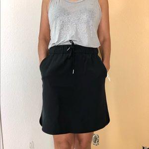 Lululemon On the Fly Skirt Woven Size: 6 NEW